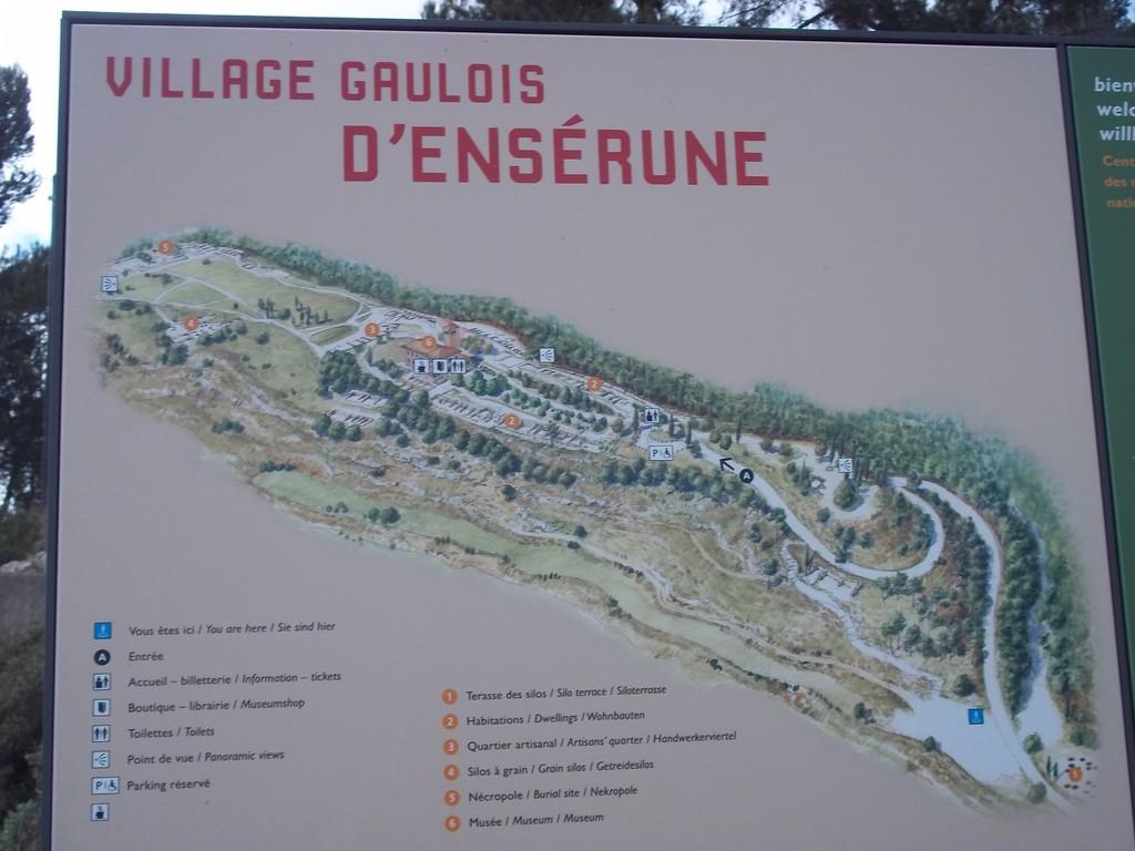vue générale du village gaulois