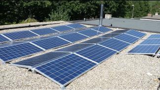 Thema: Solardach (9,88 kWp) - Erneuerbare Energien • Quelle: Firmendienst-Igel