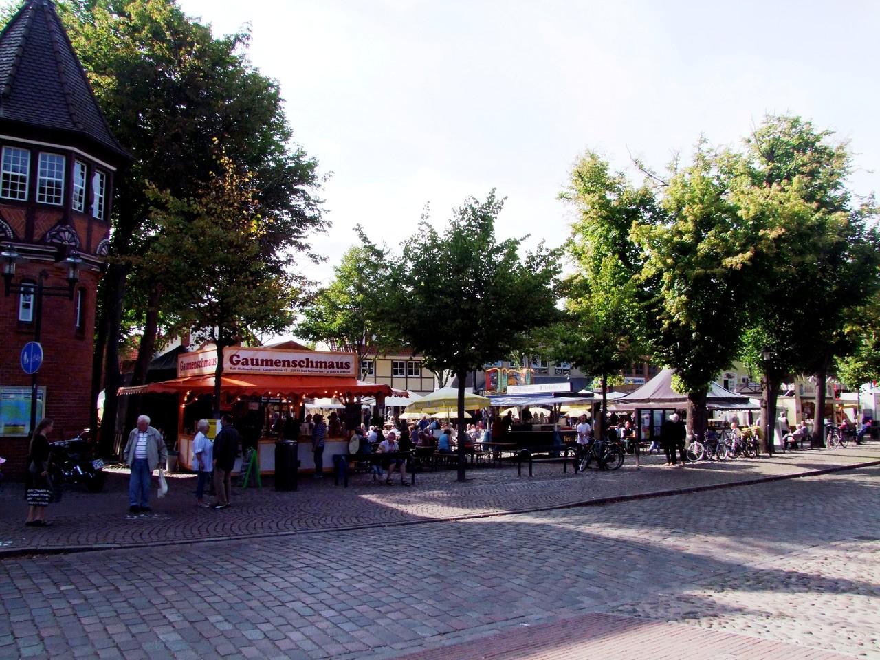 Auf dem Marktplatz ist immer etwas los!