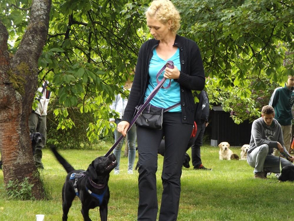 Christine mit Lucy - gelber Rücken