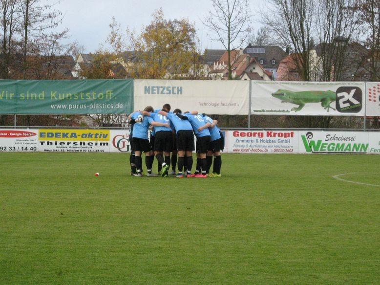 Die Mannschaft des TV Selb-Plößberg beim Ritual vor dem Spiel