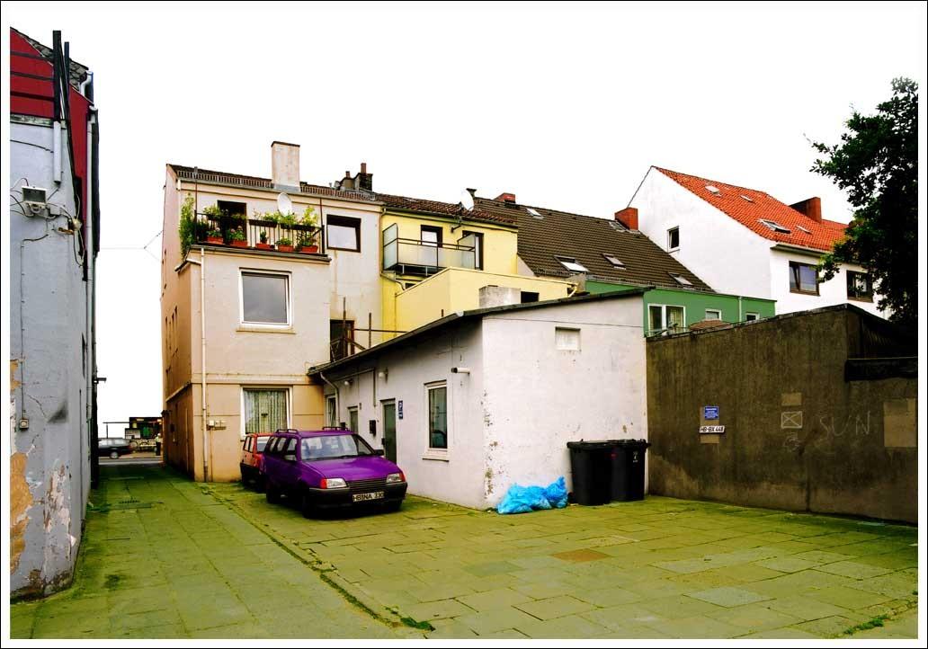 """grauhofinterieur"" (""grey-yard-interior"") • 2000 • 67x97cm / 25x38"""