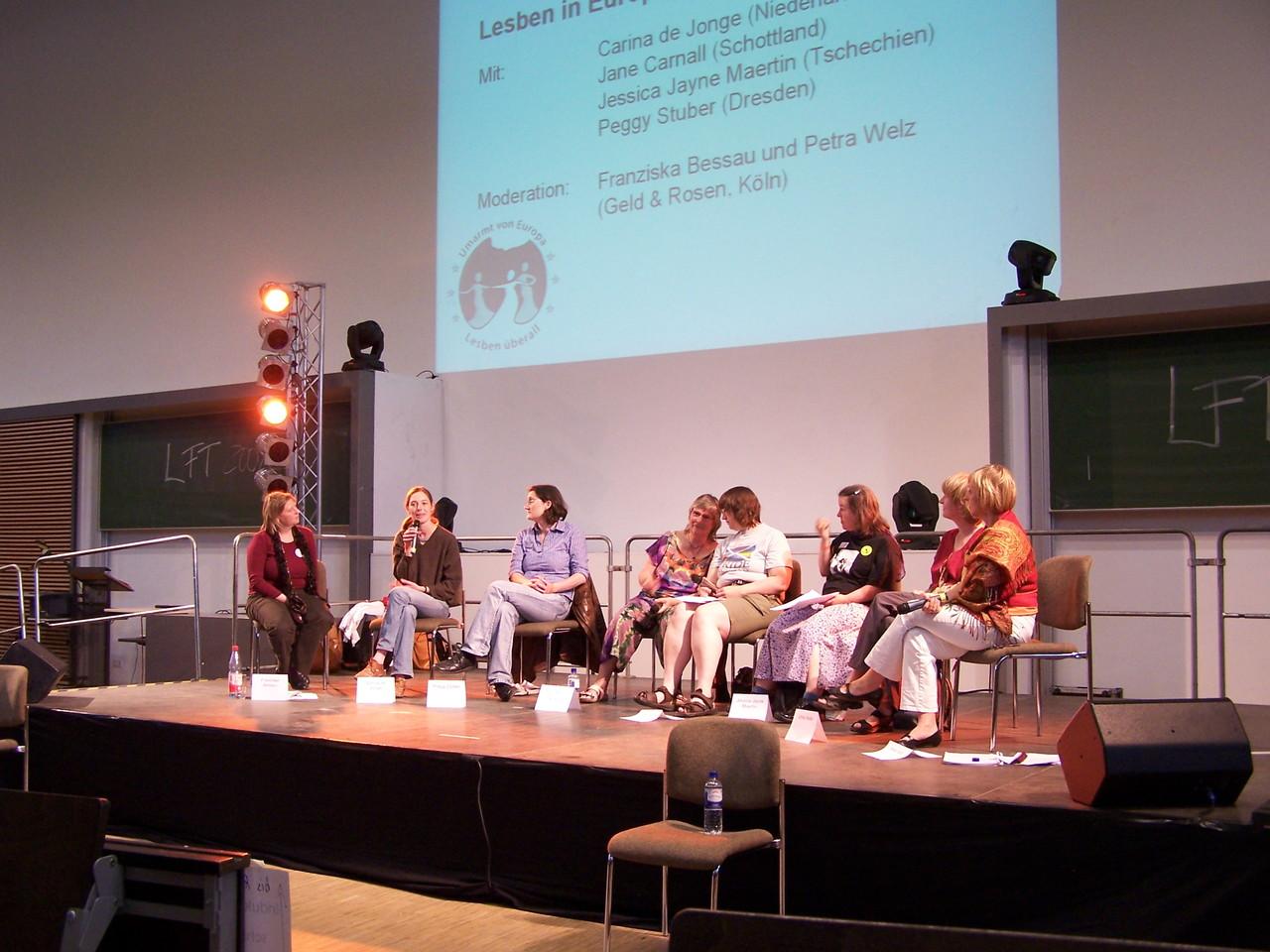 Podiumsdiskussion: Lesben in Europa - Chancen und Grenzen