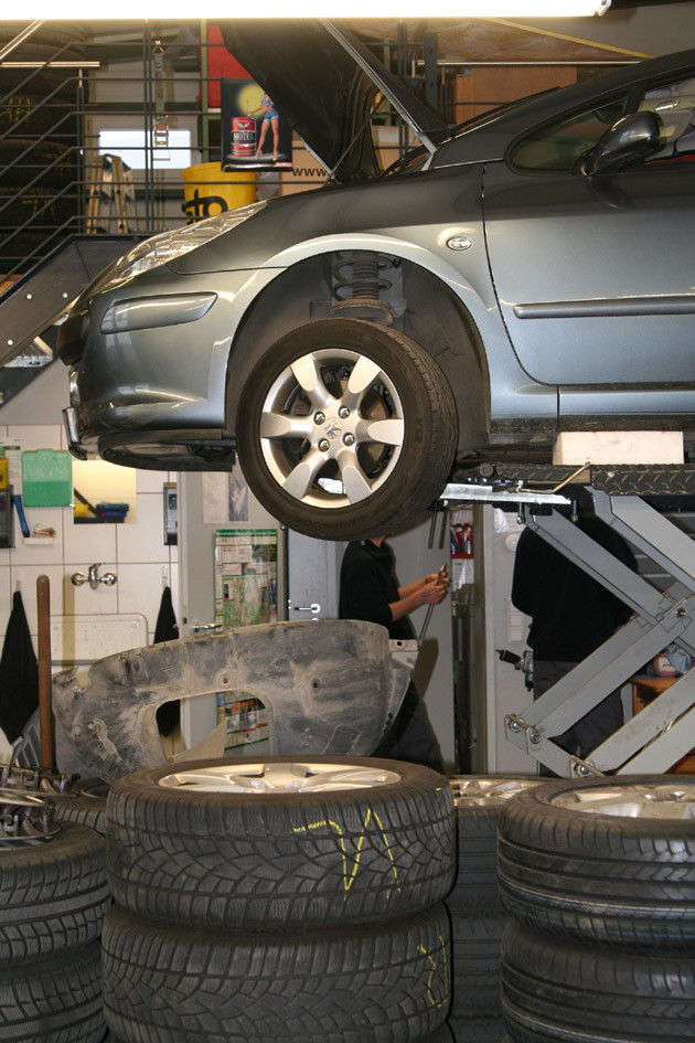 Reifenservice: Reifenmontage - in der Kfz-Werkstatt in Rutesheim bei Leonberg