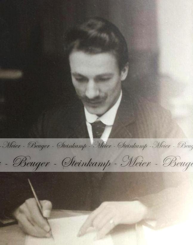 Christel am Schreibtisch (ca. 1940er Jahre)