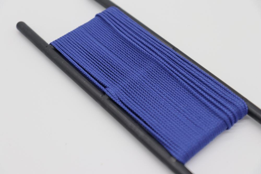 Mittelblau