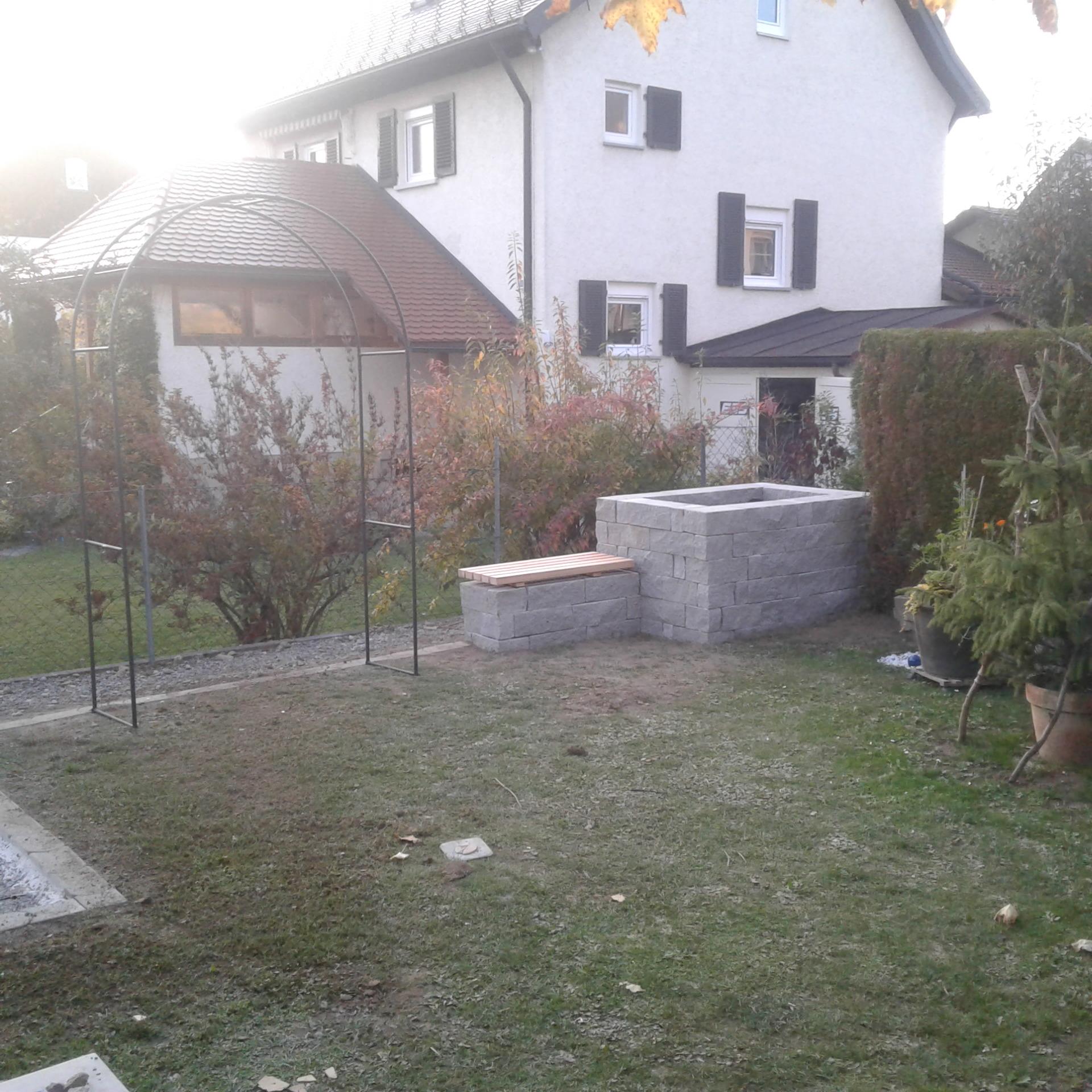 Hochbeet+Sitzbänke aus Stein in Wangen - NACHHER