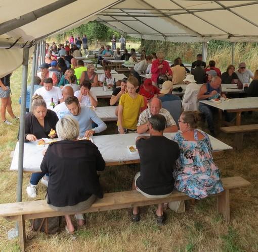 Comité des fêtes : Repas lors du concours hippique