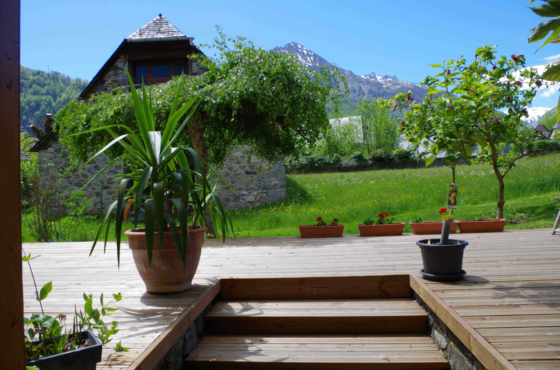 Le pic du midi d'Arrens au printemps vue de la Maison Sempé -  Val d'Azun