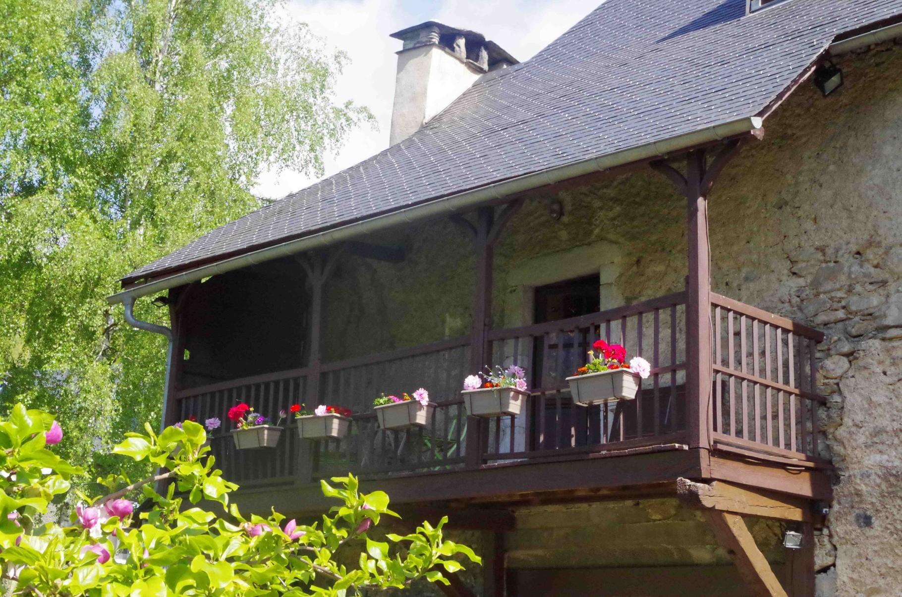 La Galerie vue du jardin- Maison Sempé- Val d'Azun