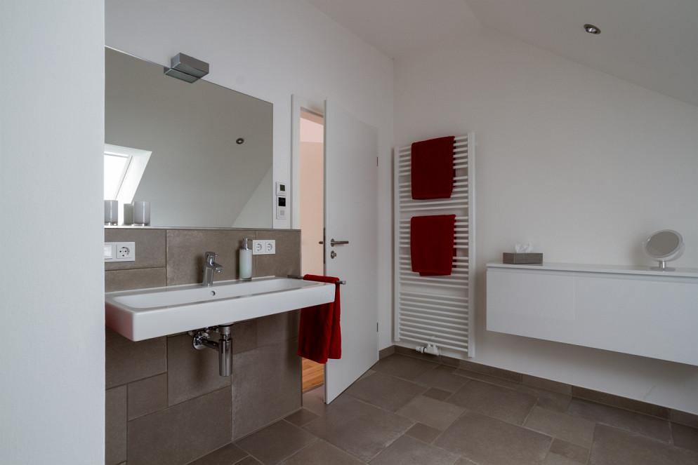 Badezimmer mit Fussbodenheizung