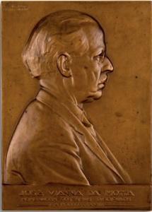 João da Silva - Medalha plaquete José Viana da Mota 1957 (1)
