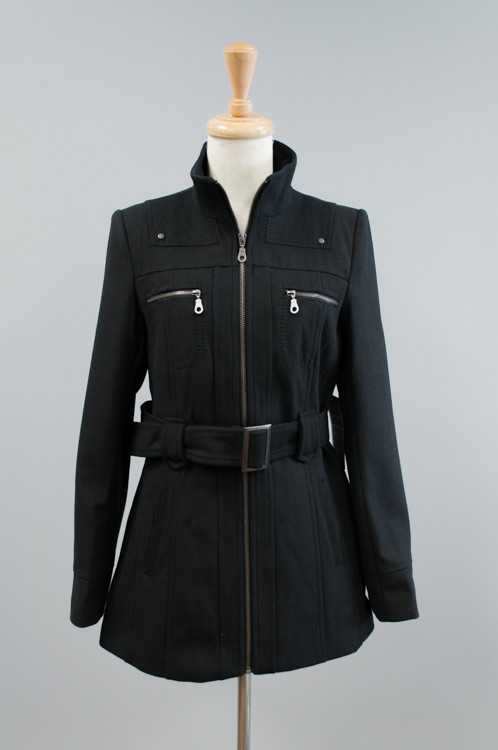 NZ201  Cavalini/Cisono Medium length winter coat with the zipper in the front along with zippered pockets and a belt around the waist.  Materials: Fabric - 35% Wool, 65% Polyester: Lining - 100% Polyester. PRICE  €60.00