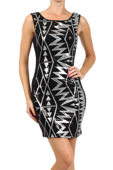 Sleeveless, fitted boat neck dress with contrast glitter detail and plunged back.   96% Polyester, 4% Spandex Made In: USA Sizes: S M L  PRICE  €99.25