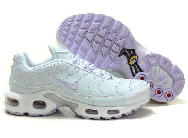 Serial Number:CWY52308  Material:pu  Name:Nike  Color:purple,blue  Size:36,37,38,39,40  Packing:Nice box  Note:Please choose size and color in available options when you checkout.we will ship according to your need.  Retail Price:€92.00