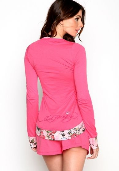 Serial Number:CYI8904/font>  Material:cotton  Name:Ed Hardy  Color:as the picture  Size:S.M.L  Packing:dust bag  Note:Please choose color and size in available options when you checkout.we will ship according to your need. PRICE €102.95