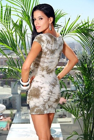GREEN TIE-DYE CAP SLEEVE RUFFLE DRESS PRICE €54.00 only Style No.DD-18-GRNMaterial 65% Cotton. 35% Polyester. Origin China Description Information unavailable. ColorGreenSizeS-M-L