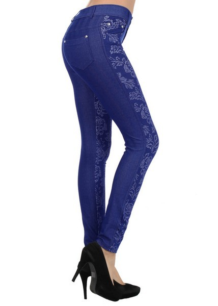 827JN302  Yelete The Loma fashion jeggings is nice and sexy pair of leggings. The Loma is not your average 5 pocket jeggings. The material content is constructed with herringbone with a lowrise fit and detail rivets accent. PRICE €27.90