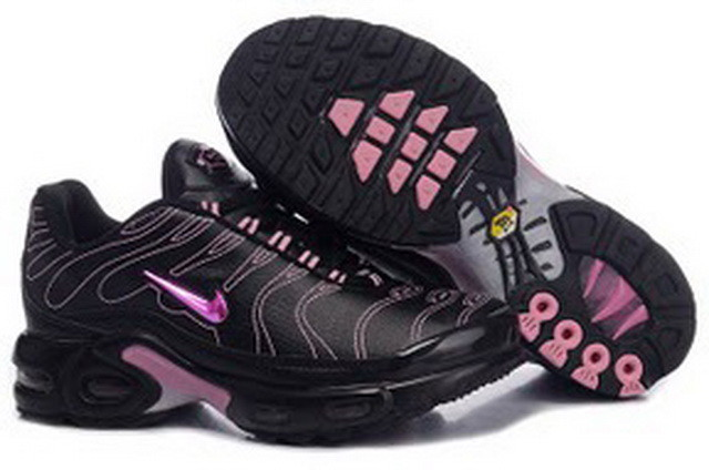 Product Name: Shoes Nike Women's shoes CWY52336 Sizes:36,37,38,39,40  Retail Price:€92.00   Weight: 1000.00G Cubage: 0.00M3