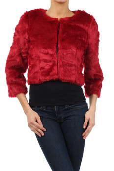 3/4th sleeve faux fur jacket with hook closures and satin lining.  100% Polyester Made In: China Sizes: S M L  PRICE  €166.25
