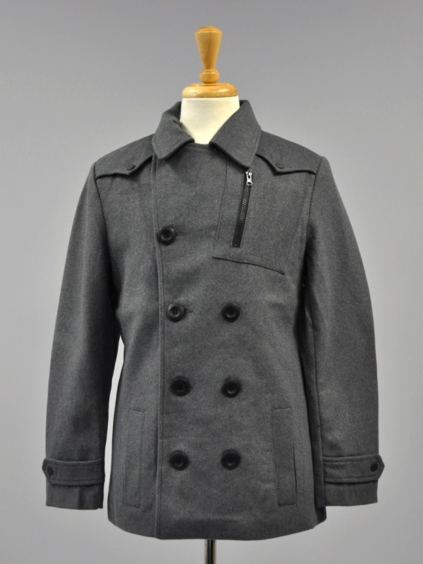 Cavalini/Cisono 3 pocket wool blend coat with button closure and button shoulder tabs. Shell: 35% Wool, 65% Polyester Lining: 100% Polyester Stock Availability: In Stock PRICE  €124.00