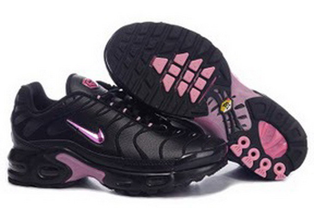 Serial Number:CWY52337  Material:PU  Name:Nike  Color:as hte picture  Size:36,37,38,39,40  Packing:Nice box  Note:Please choose size in available options when you checkout.we will ship according to your need.  Retail Price:€92.00