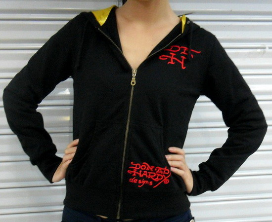 Serial Number:CYI20N19  Material:cotton  Name:ED Hardy  Color:as the picture  Size:S,M,L,XL  Packing:OPP Bag  Note:Please choose size in available options when you checkout.we will ship according to your need. PRICE €132.95