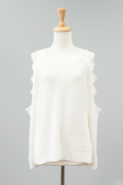 SW26004  Cavalini/Cisono Light sweater with cut out design down both sleeves.  Materials: 100% Acrylic Sizes: S M L PRICE  €33.00