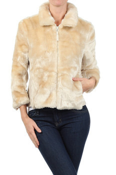 Three-quarters sleeve, fully lined fur coat jacket with collar and front zip closure.  90% Acrylic, 10% Polyester Made In: China Sizes: S M L  PRICE  €149.75