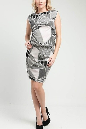 Abstract Quilted Smocked Dress  PRICE €54.00 Style No.AS-8412-1 Material 57%Cotton 43%Polyester Origin China Description Information unavailable. ColorGraySizeS-M-L