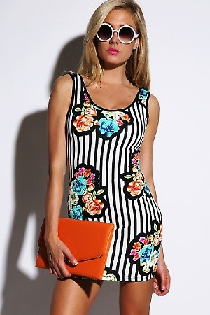 sale blue floral graphic striped backless fitted clubbing mini pencil dress. PRICE €54.00   only Style No.PL-24-BLUFLORLSTRPMaterial 94% Rayon, 6% Spandex. Origin United States Description Information unavailable. Colorblue/floralSizeS-M-L