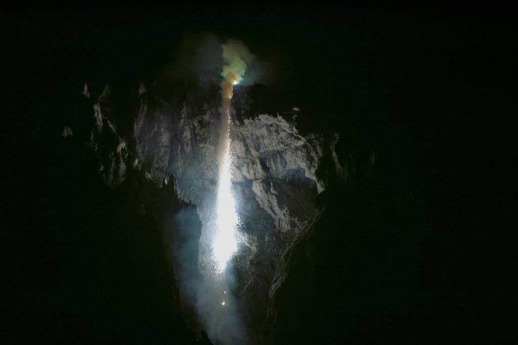 ....jagt uns Schauer über den Rücken... und die oben glühen nah beim Feuer