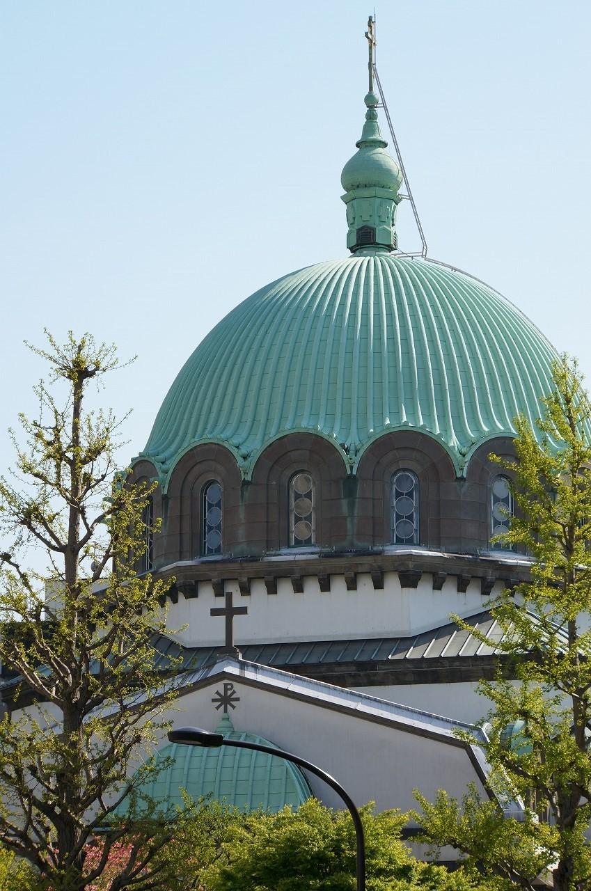 大きなドーム型のニコライ聖堂が見えるよ
