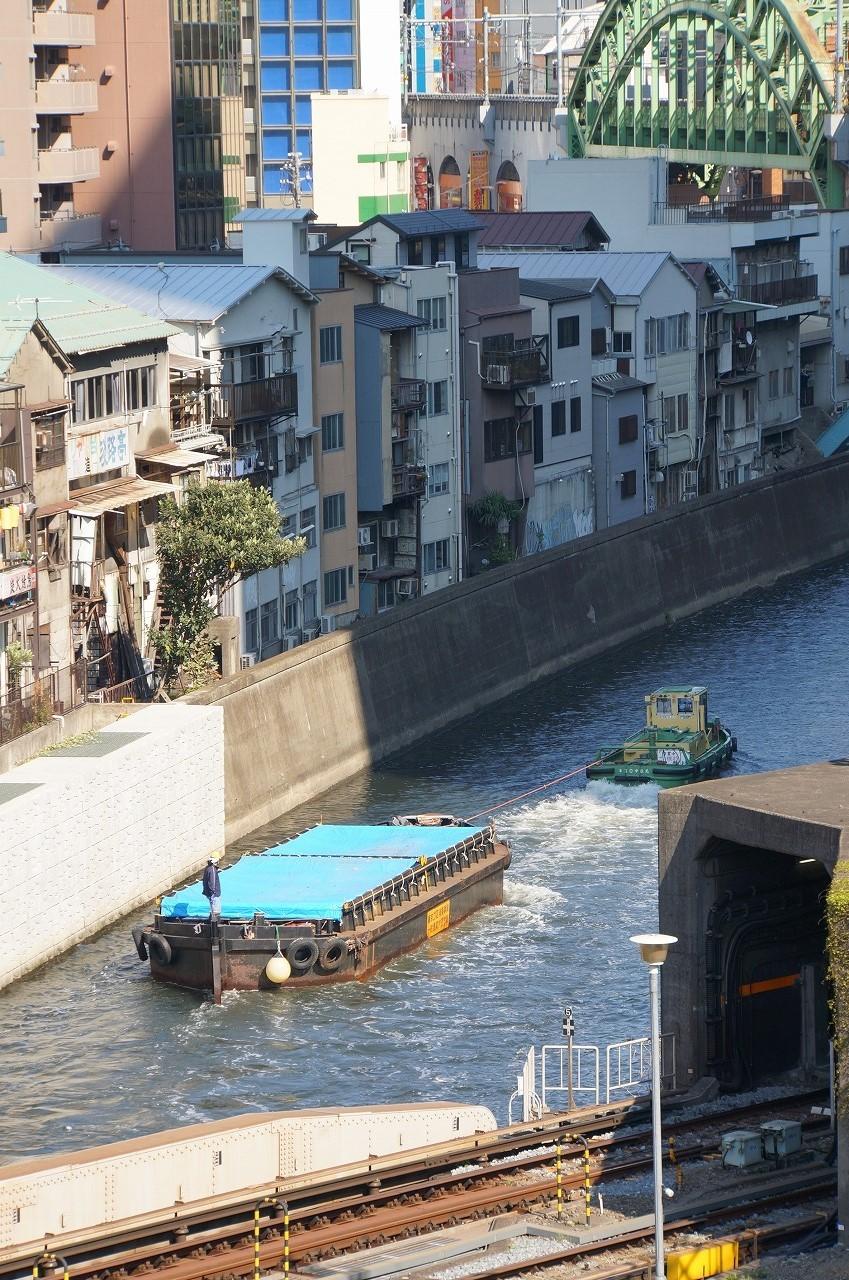 聖橋から神田川を眺めていたら…