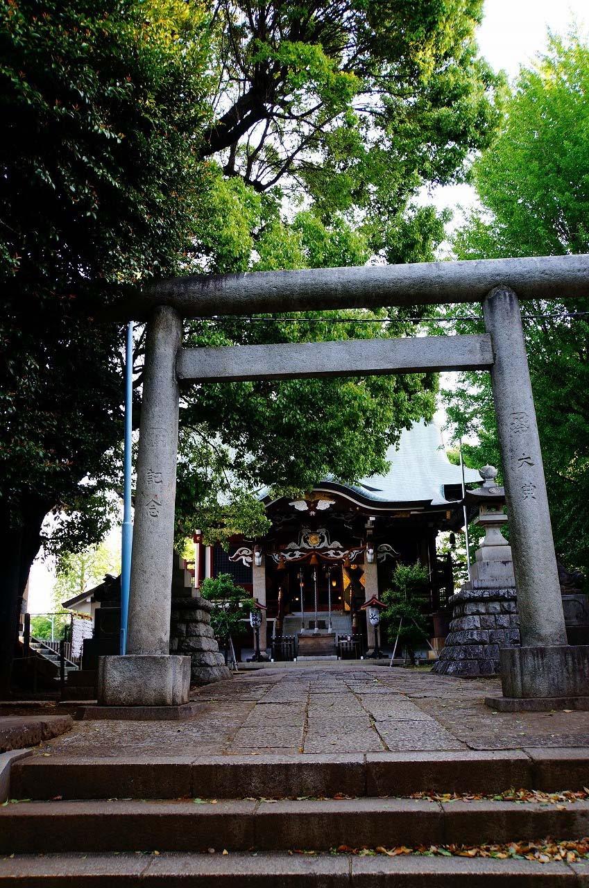 この日も諏訪神社をお参りして…