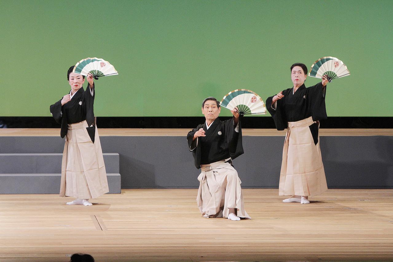 27.菊の水 舞:菊水流 範師・大範師一同