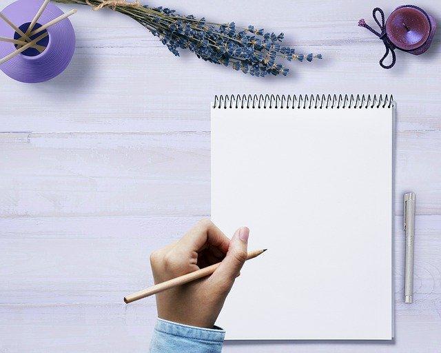 Rédaction de courriers : faites-vous accompagner par un écrivain public !