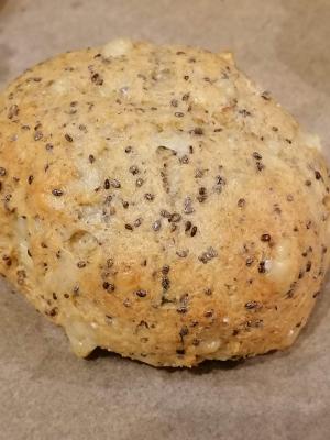 Rezept: Glutenfreie Brötchen mit Chiasamen und Käse