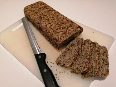 Rezept: Brot mit Haferflocken ohne Mehl und ohne Hefe, glutenfrei