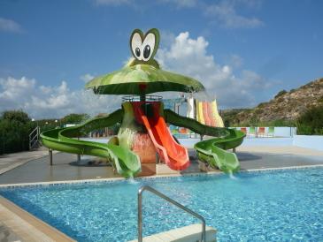 Hotel Blue Lagoon Village, Kinderpool mit Rutschen