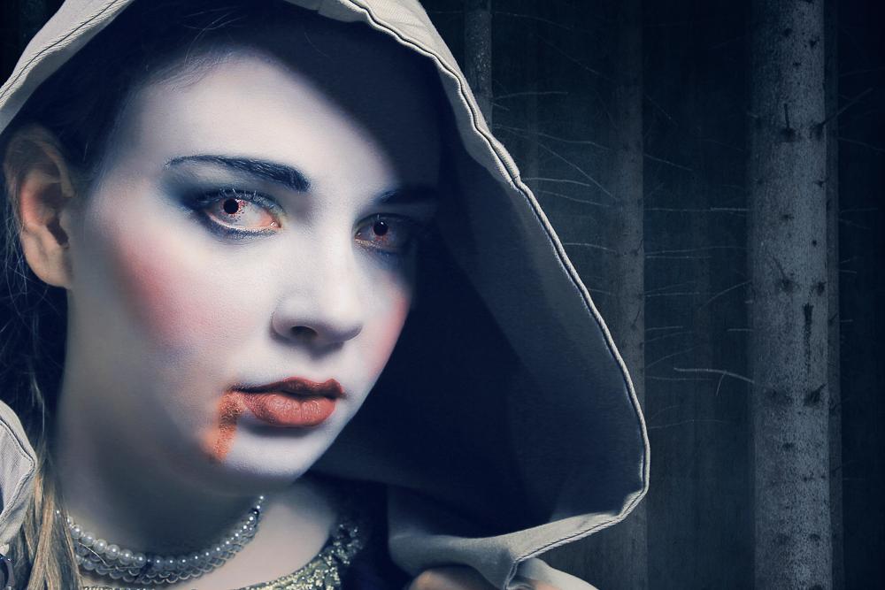 Geisterstunde im Wald, Model Sophia