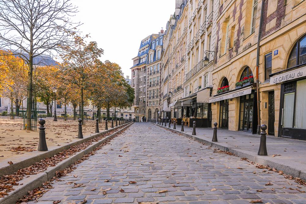 Place Dauphine, Île de la Cité