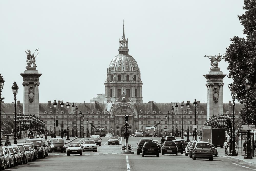 Invalidendom mit Alexanderbrücke