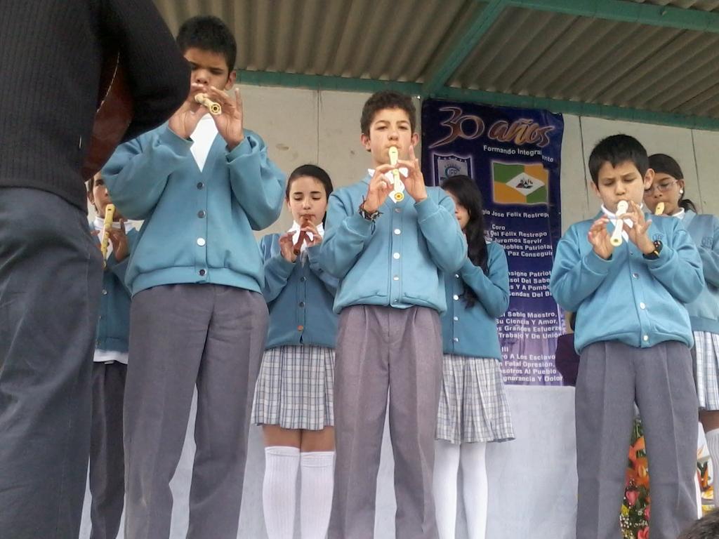 Presentación Celebración 30 años Colegio José Félix Restrepo Marzo 8 de 2012