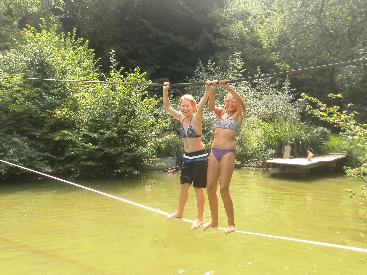 Zwei Ferienkidsim Ferienprogramm zur Erlebnisreise bei Monique