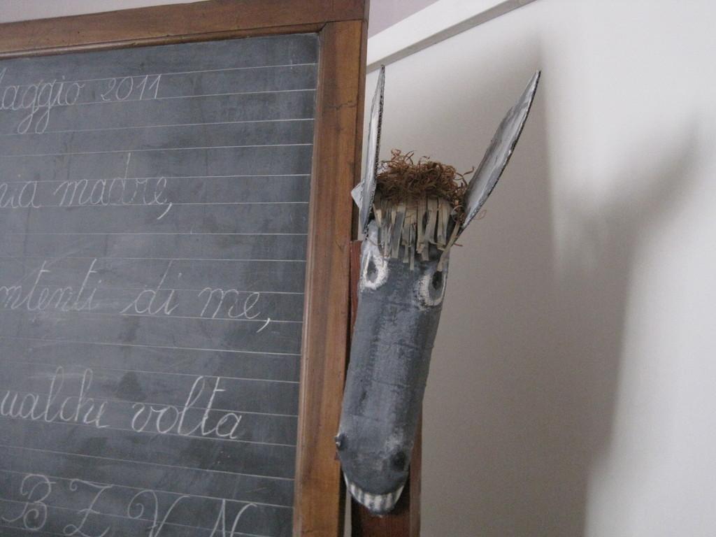 La testa d'asino in attesa della testa di qualche alunno che non ha studiato la lezione.