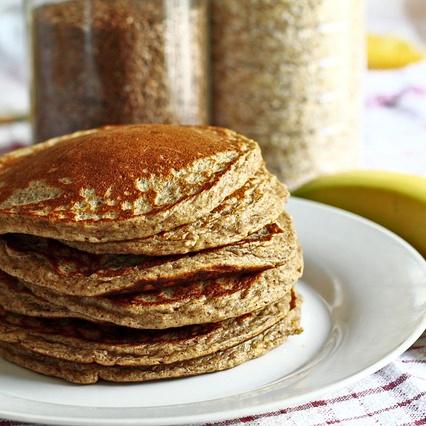 Protein Eiweiß Low-Carb Muskelaufbau Mandelmehl Pfannkuchen Rezept Frühstück