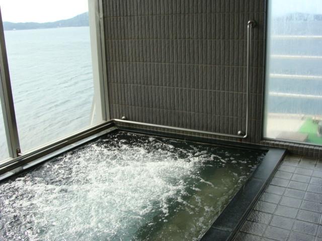 海の見える温泉で湯っくりと・・・。