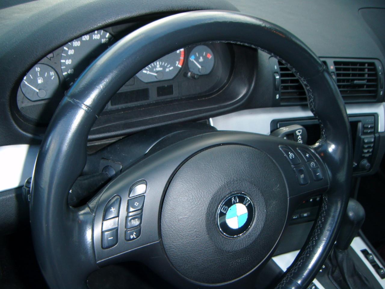 Leder Lenkrad Färben BMW (Nachher)