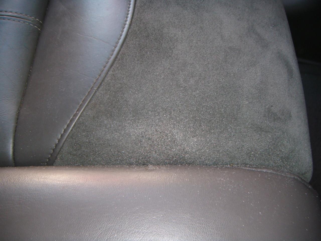 Alcantara Leder Brandloch Reparatur (Nachher)